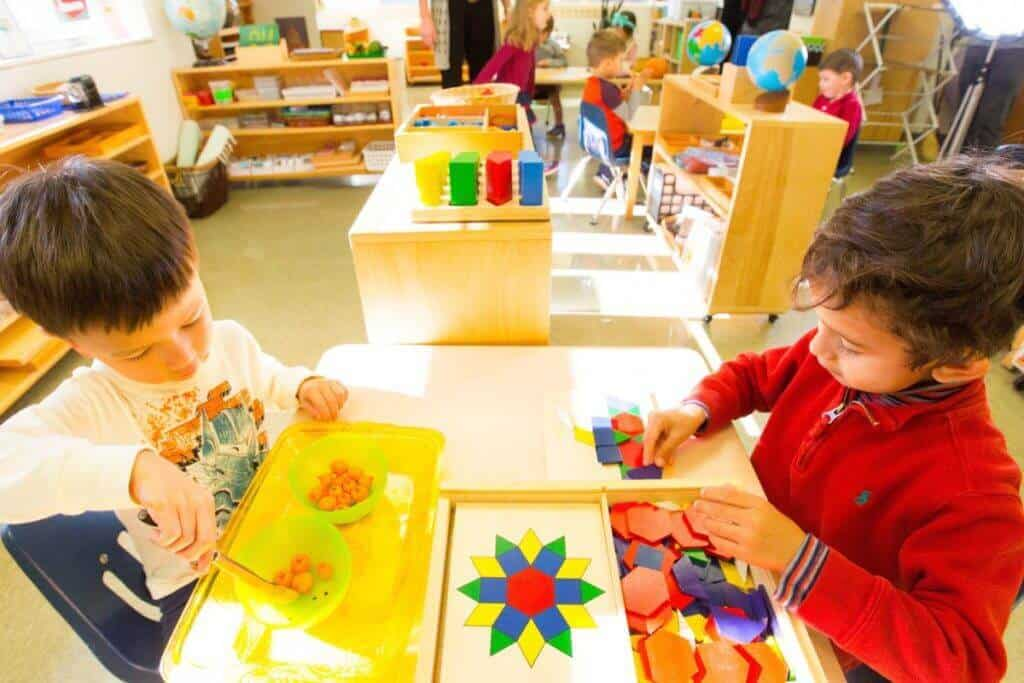 Montessori-children